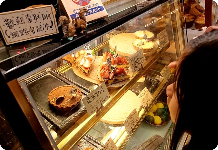 頭城老街一日遊》10大必去景點美食總整理(文學巷、3D彩繪牆、Q版土地公扭蛋機、招財龜摸透透、超夯奶酥人、老宅手工甜點還有加玉米的懷舊八寶冰) @捲捲頭 ♡ 品味生活