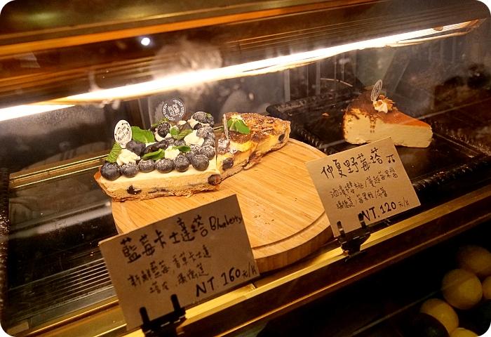 宜蘭》頭城老街 | 一日遊攻略十大在地景點美食(文學巷、3D彩繪牆、Q版土地公扭蛋機、招財龜摸透透、超夯奶酥人、老宅手工甜點還有加玉米的懷舊八寶冰) @捲捲頭 Wonderful 品味。生活
