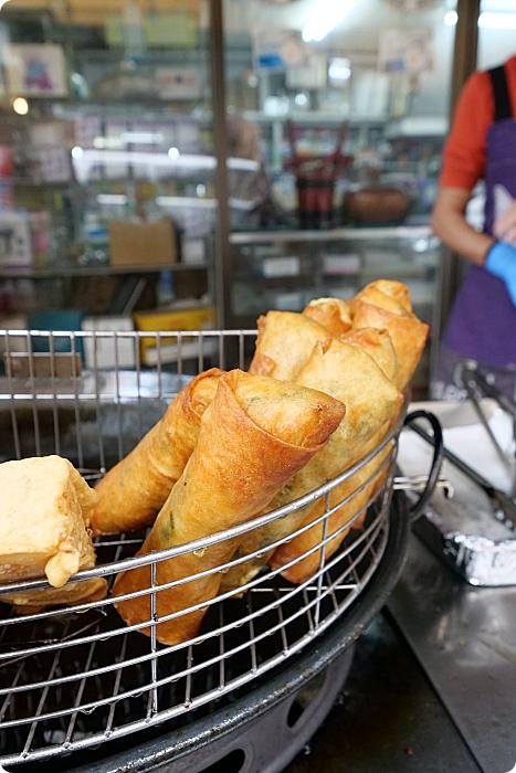 三星美食⎪阿琴春捲。明星商品全都來一輪,好吃停不下來炸春捲、炸地瓜餅、炸甜米糕、炸蘿蔔糕,市場內的銅板美食! @捲捲頭 ♡ 品味生活