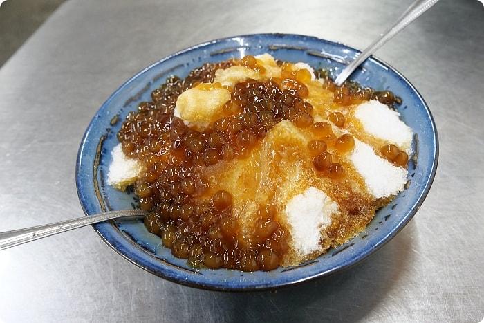 宜蘭》冬山小可愛。霸氣粉圓冰、金黃酥脆臭豆腐,料多米粉焿。三樣人氣在地小吃,來冬山必吃! @捲捲頭 ♡ 品味生活
