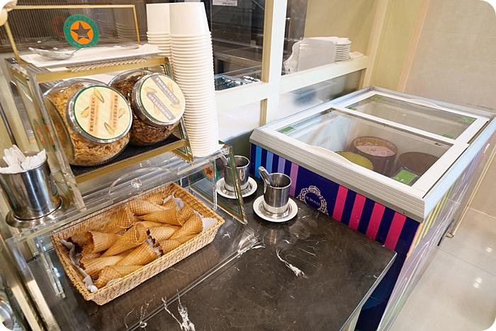 台南安平住宿推薦⎮康橋商旅 民生館。河景第一排無敵美景,24小時免費提供咖啡、冰淇淋。還有點心早餐吃到飽! @捲捲頭 ♡ 品味生活
