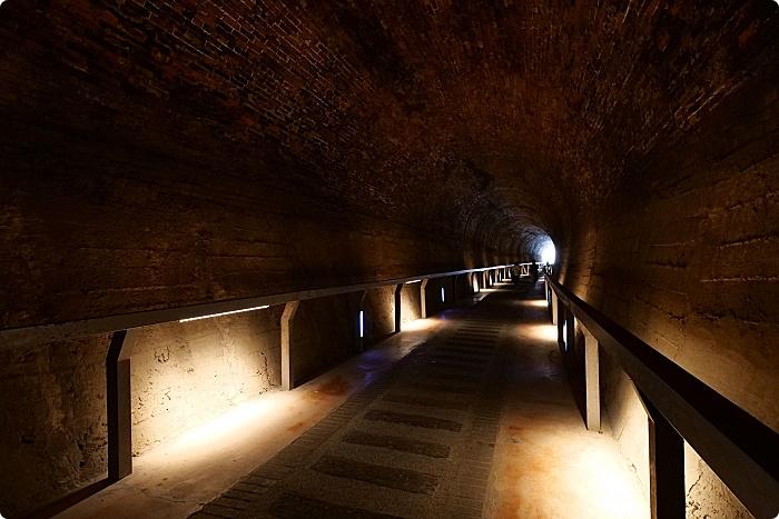 苗栗》後龍過港隧道。夢幻無比的黃金隧道,一起神隱少女一下吧! @捲捲頭 ♡ 品味生活