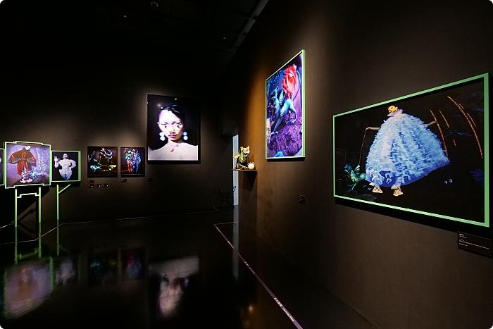 台南》奇美博物館。世界巡迴亞洲首站!V&A 超級大展來襲!,集結鏡頭下時尚的300件奇幻創作~ @捲捲頭 ♡ 品味生活