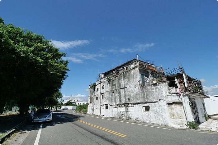 台東》白色霍爾的移動城堡。濱海拼裝屋,不只奇特的外觀,而是滿滿的時代故事。 @捲捲頭 ♡ 品味生活