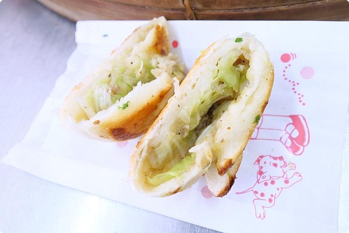 宜蘭美食》五結碳烤燒餅-宜蘭店。吃貨注意!300元吃通海,小蔥餅、起司饅頭、海鮮餅通通來一輪! @捲捲頭 ♡ 品味生活