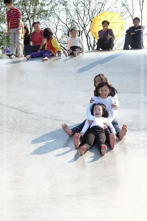 <宜蘭市景點>龍潭湖風景區↘親子遊~超級好玩的溜滑梯 @捲捲頭 Wonderful 品味。生活