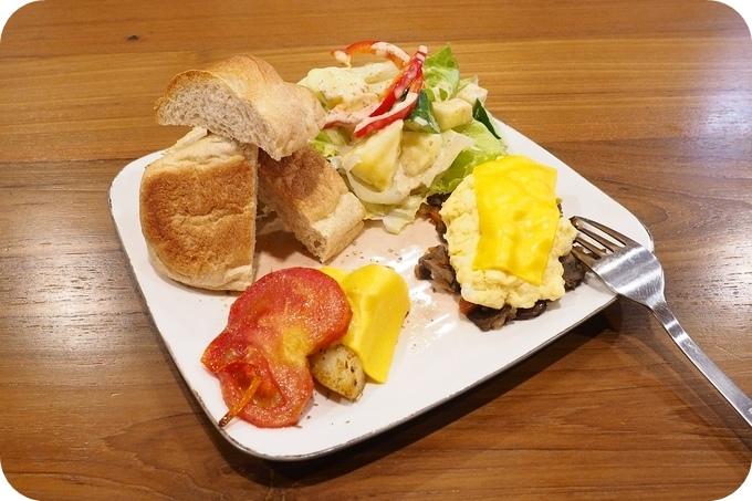 宜蘭美食⎪活力泉源早餐。必點手工果醬優格、磨菇青蛙堡,還有隱藏版拼盤。找蔬食料理,這裡很可以!!! @捲捲頭 ♡ 品味生活
